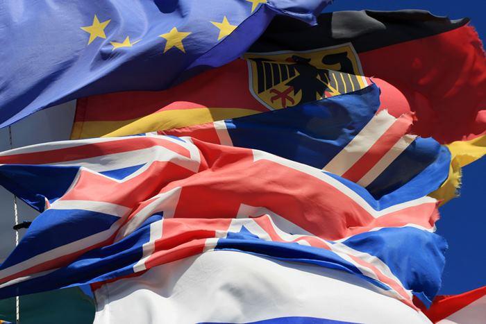 Как получить ПМЖ или гражданство в ЕС: правда и вымысел