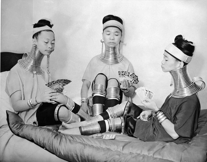 женщины племени падаунг фото 3 (700x548, 238Kb)