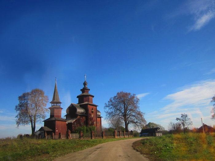 13 Церковь Иоанна Богослова на Ишне (700x525, 183Kb)