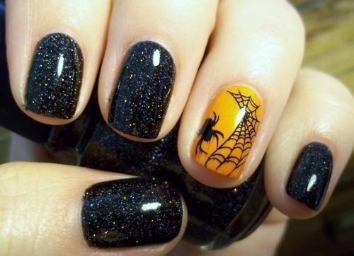 Нежный дизайн нарощенных ногтей