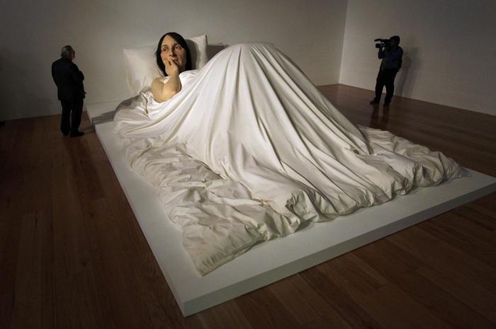 скульптуры Рона Мьюека 14 (700x465, 191Kb)