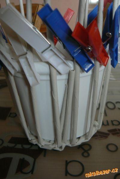 Плетение из газет. Винтажное кашпо из газетных трубочек. Идеи и мастер-класс (8) (400x599, 92Kb)