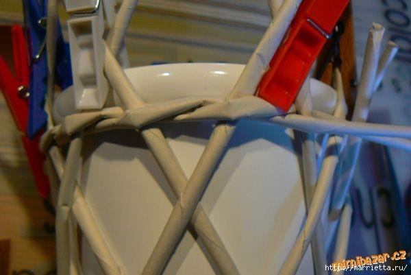Плетение из газет. Винтажное кашпо из газетных трубочек. Идеи и мастер-класс (19) (600x401, 103Kb)
