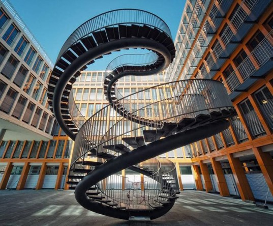 4027137_12munichcourtyardstairs537x444 (537x444, 93Kb)