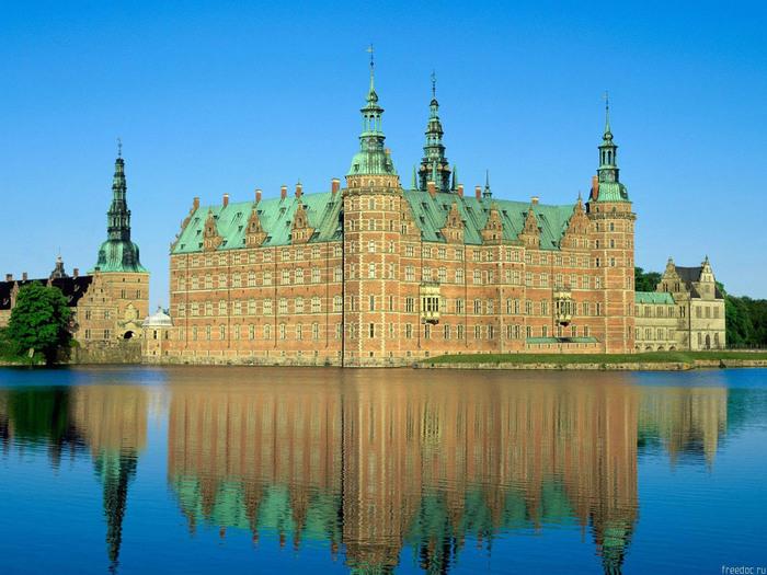 denm_frederiksborg_castle (700x525, 143Kb)