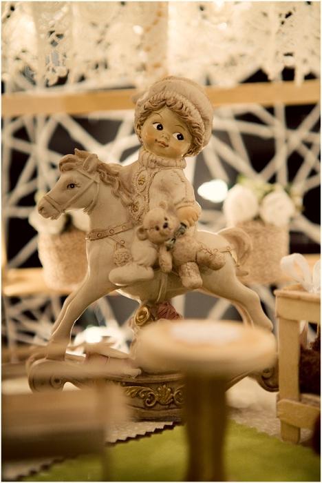 Замечательный ночник и новогодние елочные игрушки из ниток (12) (468x700, 228Kb)
