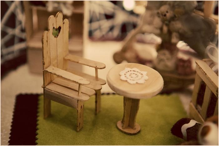 Замечательный ночник и новогодние елочные игрушки из ниток (14) (700x468, 203Kb)
