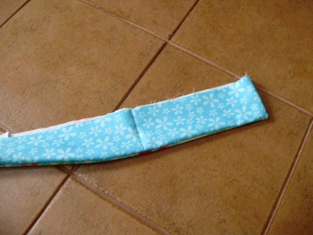 Шьем сами фартушек для маленькой девочки. Мастер-класс (13) (640x480, 173Kb)