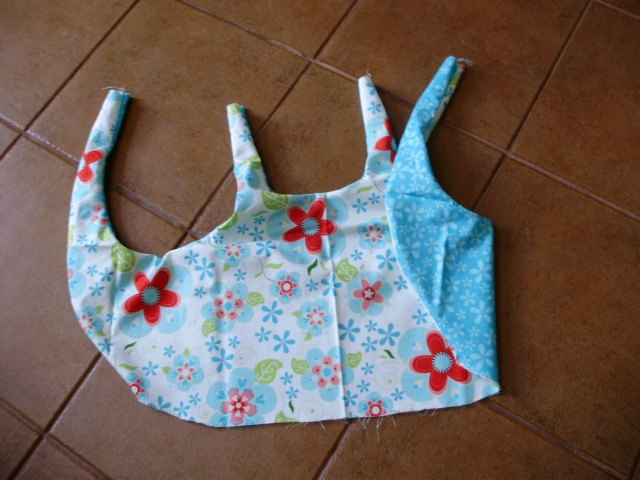 Шьем сами фартушек для маленькой девочки. Мастер-класс (17) (640x480, 185Kb)
