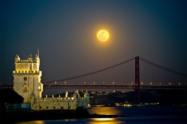 super-moon-largest-lisbon-portugal_33535_600x450 (600x398, 91Kb)