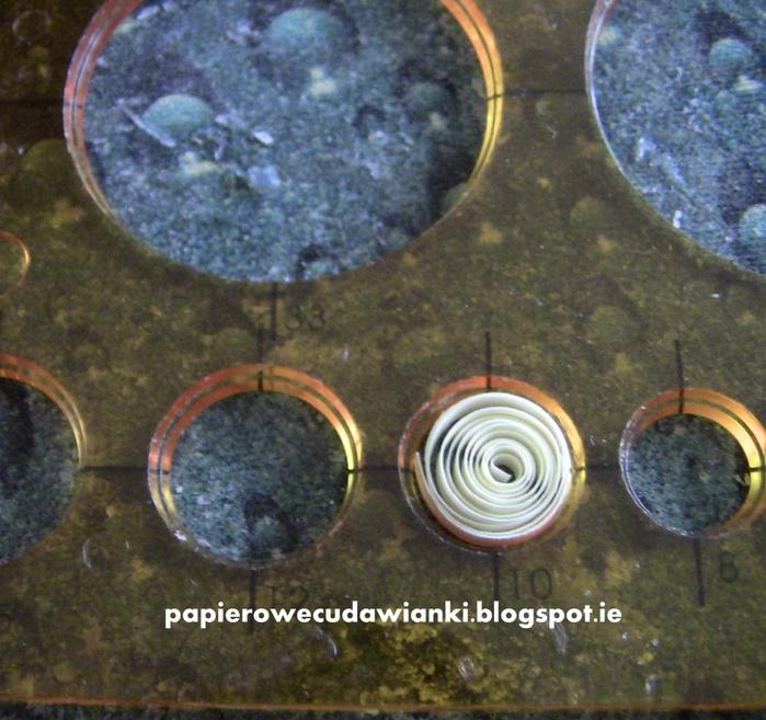Квиллинг. Декоративная клетка для птички (7) (700x657, 358Kb)
