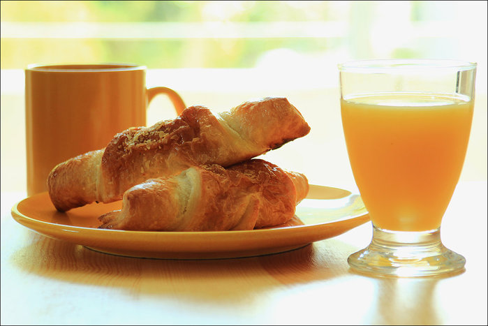 breakfast_by_ninarika-d6p5ovq (700x467, 61Kb)