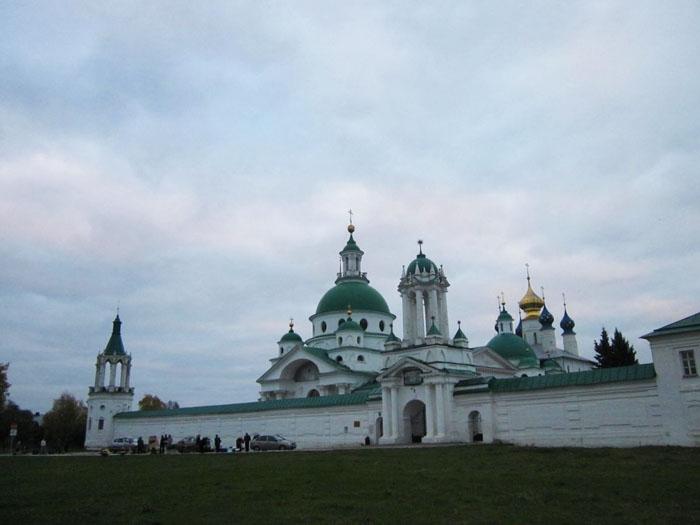 01 Спасо-Яковлевский монастырь в Ростове (700x525, 157Kb)