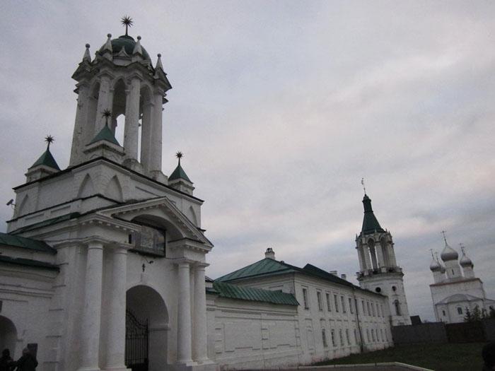 01а Спасо-Яковлевский монастырь в Ростове (700x525, 164Kb)
