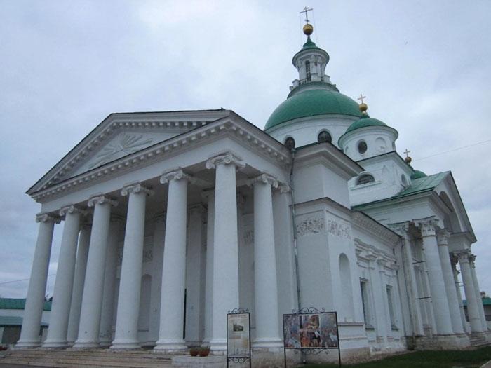 08 Спасо-Яковлевский монастырь в Ростове (700x525, 178Kb)