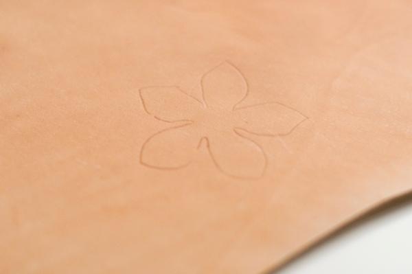 Сосновые шишки из .... кожи. Шаблон и мастер-класс (4) (600x399, 130Kb)