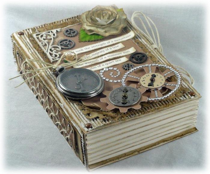 Оригинальная коробочка в форме книжки. Скрапбукинг (5) (700x579, 311Kb)