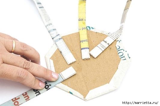 Плетение из газетных полосок. Вазочка для сухоцветов (9) (533x354, 76Kb)