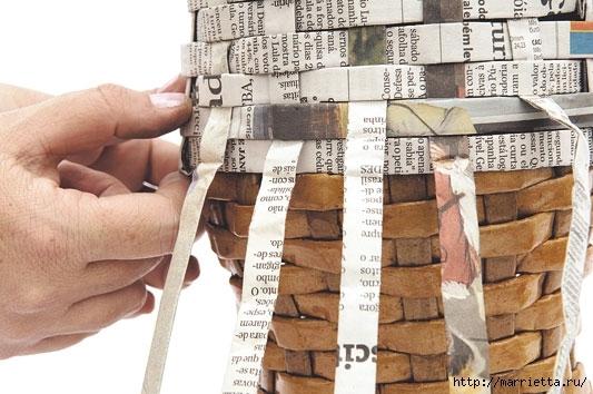 Плетение из газетных полосок. Вазочка для сухоцветов (15) (533x354, 148Kb)