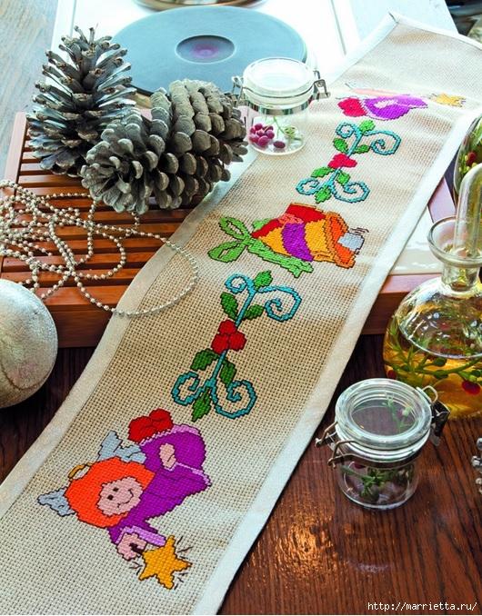 Рождественская вышивка для скатерти и полотенца. Схемы (3) (530x678, 383Kb)