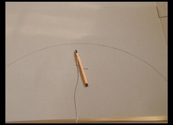 Веер своими руками из картона и бумажных трубочек (7)