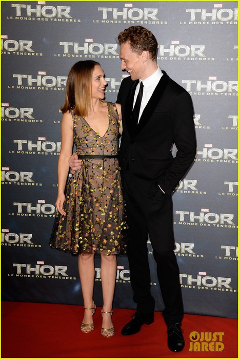 natalie-portman-tom-hiddleston-thor-paris-premiere-03 (466x700, 99Kb)