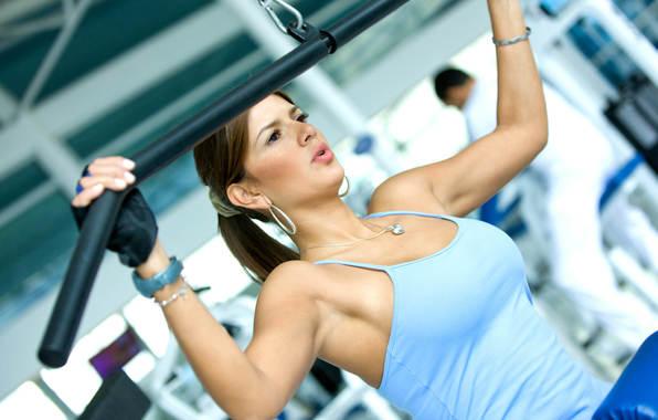 тренировка в спортзае на тренажере/4348076_506192 (596x380, 35Kb)