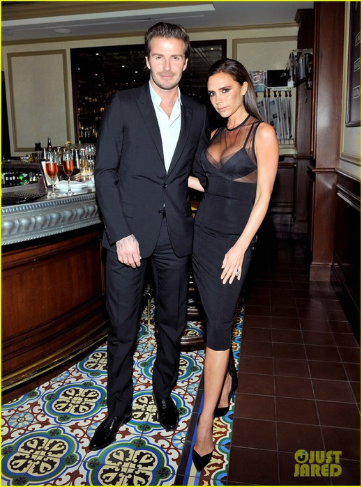 david-victoria-beckham-vogue-cfda-fashion-fund-dinner-04 (519x700, 117Kb)
