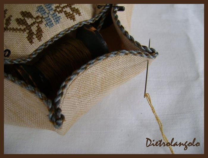Стильная игольница из льна с вышивкой. Фото мастер-класс (19) (700x532, 232Kb)