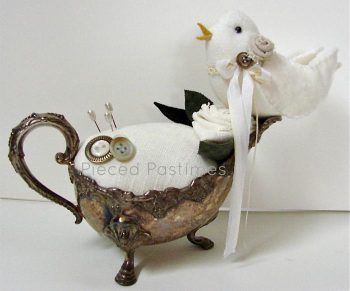 Игольница с птичкой из серебряного соусника (4) (700x582, 664Kb)