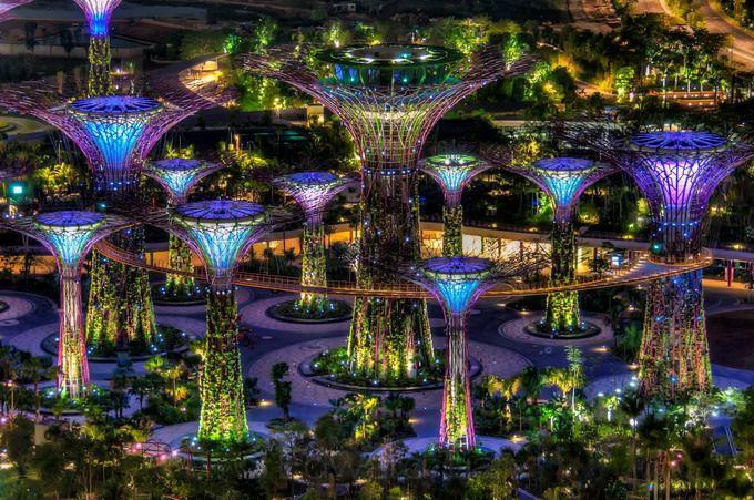 marina_bay_sands_singapur_Sady_u_zaliva_Gardens_by_the_Bay_03 (680x451, 424Kb)