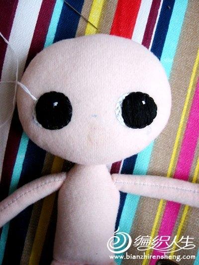 Шьем игрушки. Куколка КОШКА (27) (400x533, 137Kb)