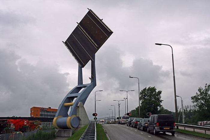 Великолепный подъемный «летающий» мост в Нидерландах. Фото, видео