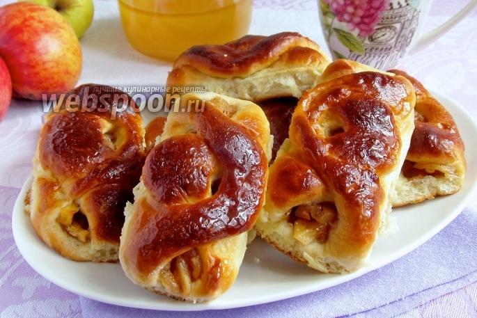 пирожки печеные с яблоками фото