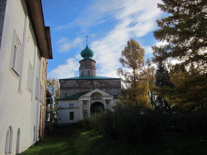 18 Борисоглебский монастырь (700x525, 246Kb)