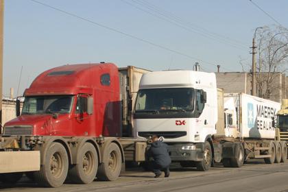 Пробка на границе России и Украины (420x280, 52Kb)