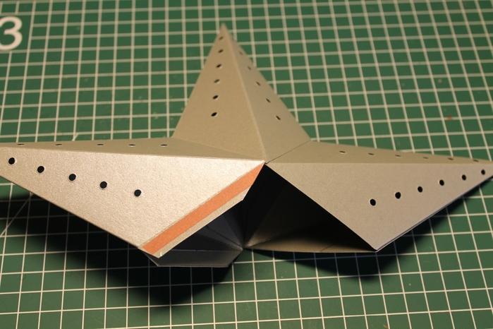 Светящаяся рождественская звезда из картона своими руками (8) (700x466, 228Kb)