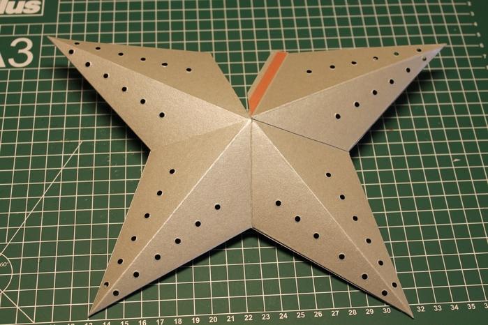 Светящаяся рождественская звезда из картона своими руками (9) (700x466, 267Kb)
