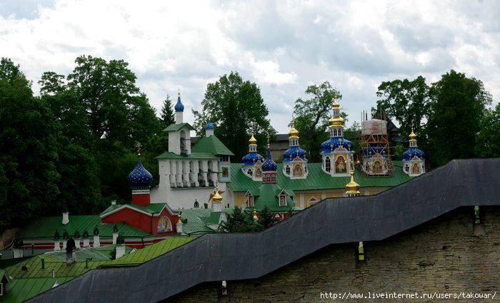 Псково-Печерский монастырь/1413032_IMGP7946 (700x425, 175Kb)