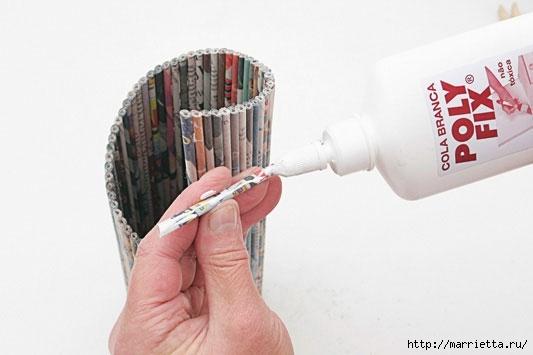 подставка для винных бутылок из газетных трубочек (18) (533x355, 71Kb)
