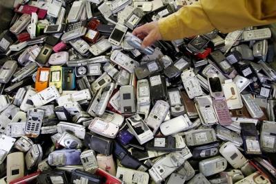 Город на Украине полностью отказался от мобильников (400x268, 132Kb)