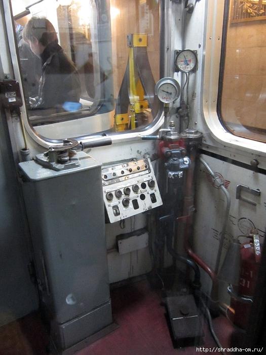Питерское метро (2) (525x700, 265Kb)
