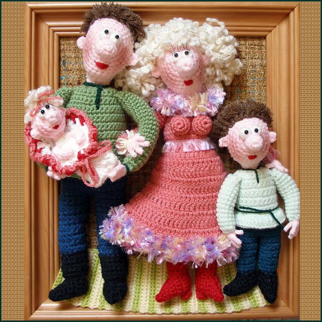 Вязаные сувениры (куклы