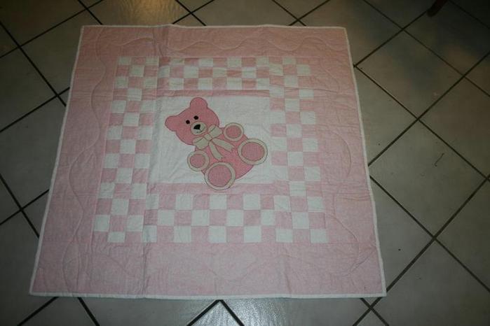 full_70_15118_PinkBearAppliqueQuilt_3 (700x466, 167Kb)