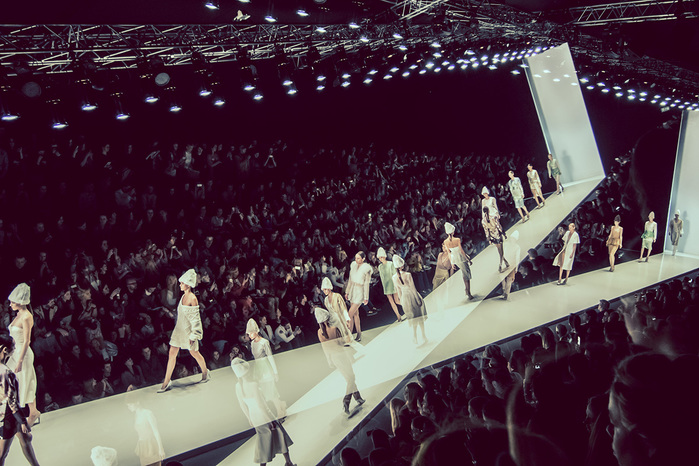 1242743_MERCEDES_BENZ_FASHION_WEEK_RUSSIA (700x466, 164Kb)