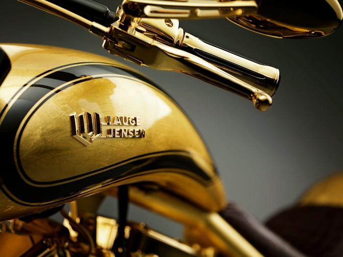 золотой мотоцикл Lauge Jensen фото 2 (700x525, 212Kb)