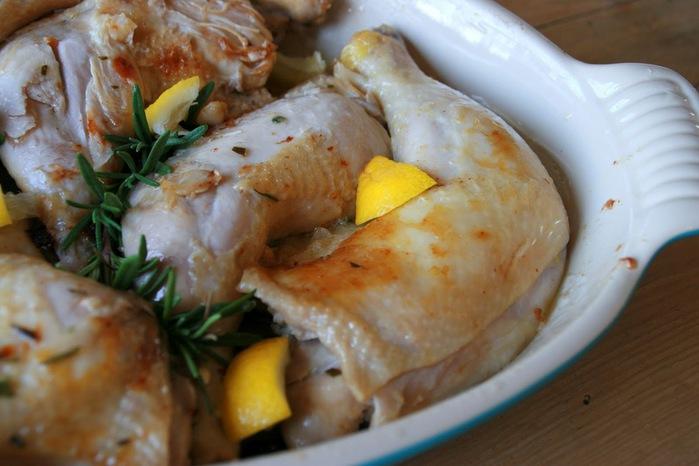 курица тушеная с лимоном и розмарином 2 (700x466, 85Kb)