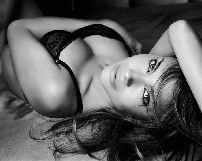 Черно белые картинки секс девушек 16 фотография