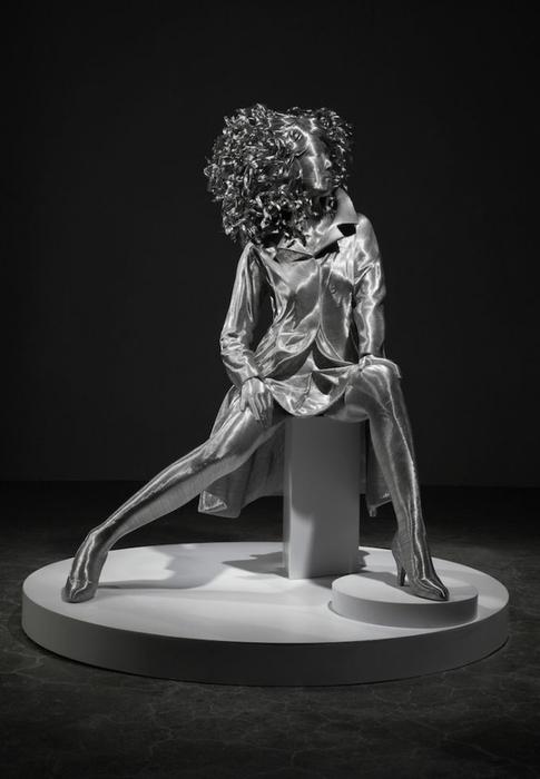 скульптуры из проволоки 7 (485x700, 117Kb)