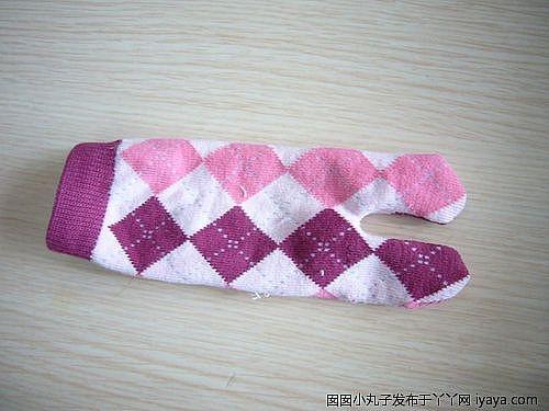 игрушки из носков. куколка и зайчик (4) (500x375, 96Kb)